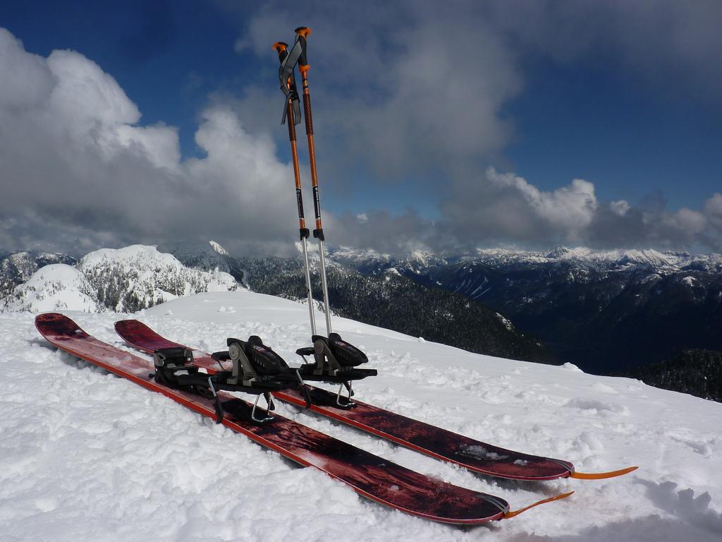 Jak wybrać narty i kiedy warto je zmienić