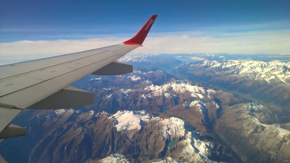 Zimowe ferie za granicą – gdzie i jak szukać tanich lotów do europejskich miast?